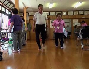 「三角町東港5区で「いきいき百歳体操」がスタート」に関する画像