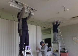 「九州電力OBによる電気設備清掃ボランティア」に関する画像