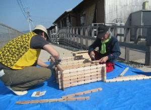 「小川仮設団地で家具作りワークショップを開催」に関する画像